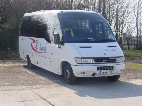 vehicle details  2006 iveco wing 27 seat midi-coach